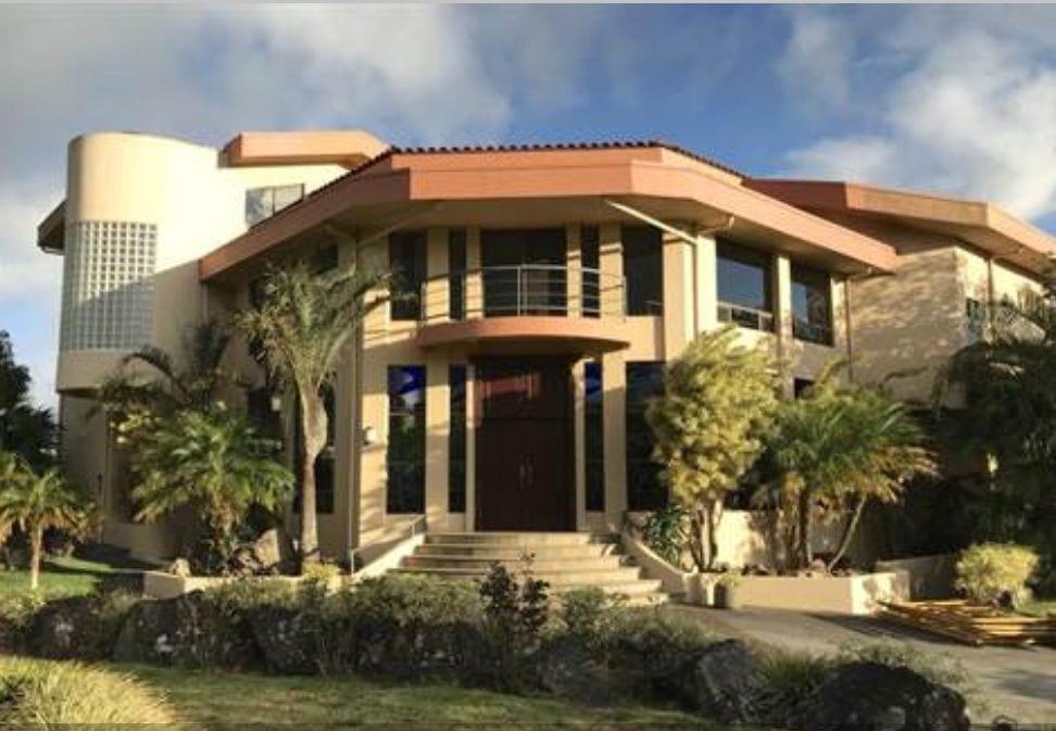 Espaciosa Mansion en San Rafael de Heredia