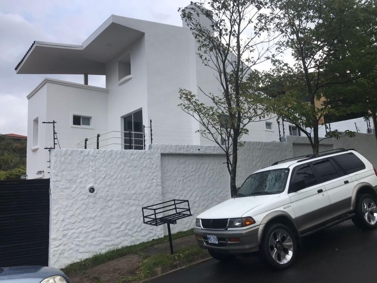 Se vende casa en Escazú