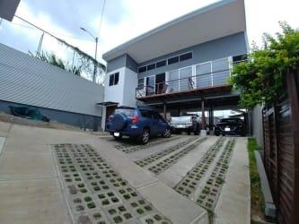 Casa con Apartamento Heredia -Mercedes Norte SE RECIBE LOTE COMO PARTE DE PAGO